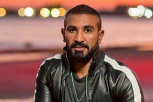 """أحمد سعد يغني لشقيقه على الهواء: """"متفوق بشكل يغيظ"""""""