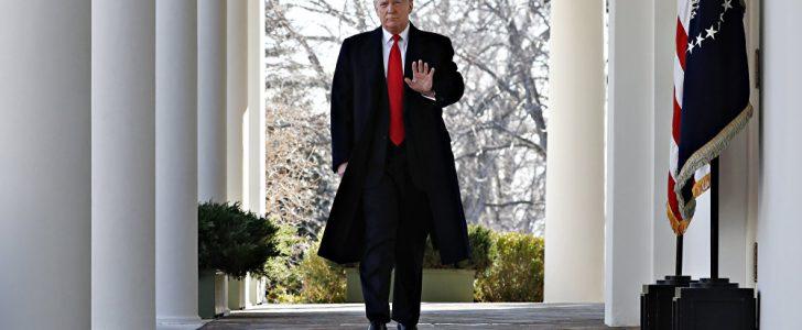 الإعلام الأمريكي يكشف سيناريو التعامل مع ترامب إذا رفض مغادرة البيت الأبيض
