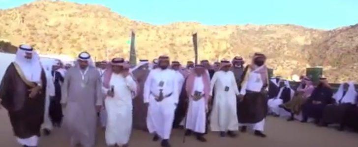 الأمير تركي بن طلال يتعهد بعودة جبل تنومة أفضل مما كان