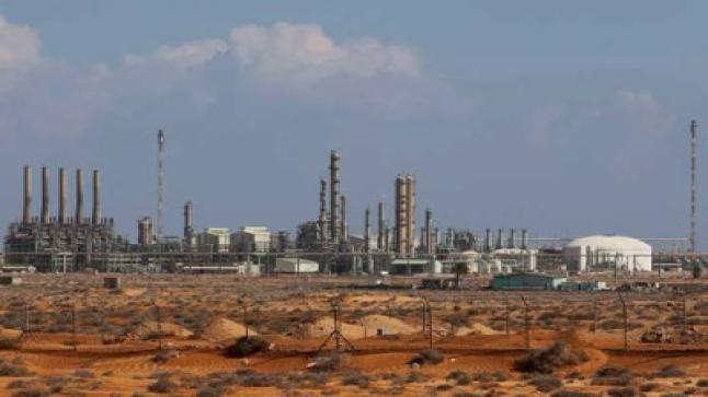 سيطرة قوات حفتر على ميناء الزويتينة في شمال شرق ليبيا