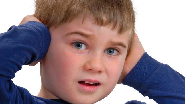 ضعف السمع وأهم أنواع الضرر الناتجة عنه