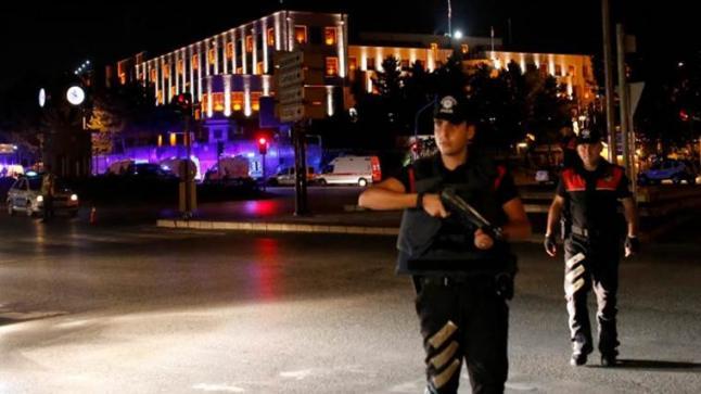 آلاف الإعتقالات في تركيا بعد فشل الإنقلاب العسكري