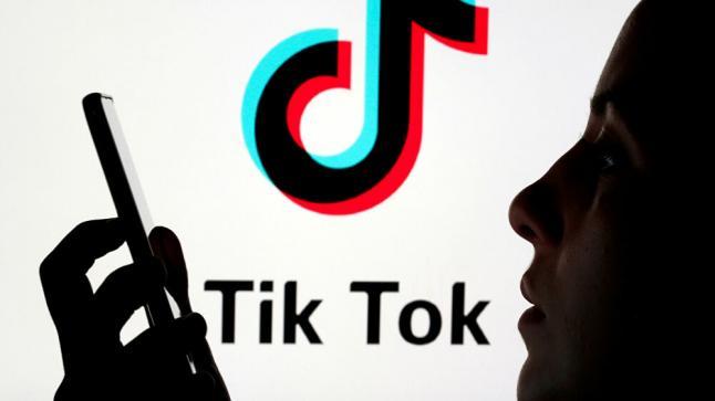 """""""بسبب الابتذال والمحتوى غير الأخلاقي"""".. حظر تيك توك في باكستان"""