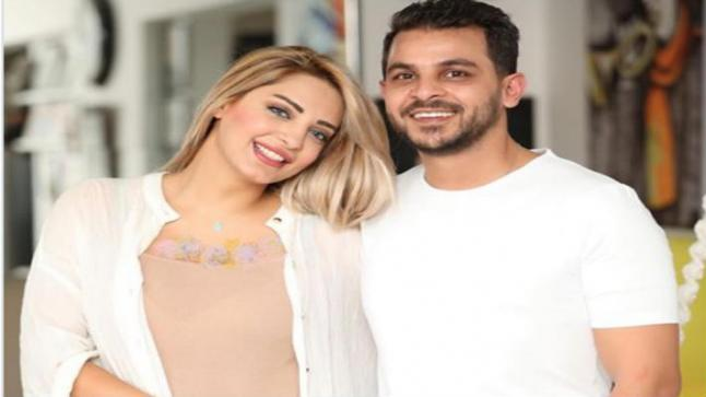 "مي حلمي عن طلاقها من محمد رشاد: لم يجرى إعلامي رسميا.. ""هاتفه مغلق"""