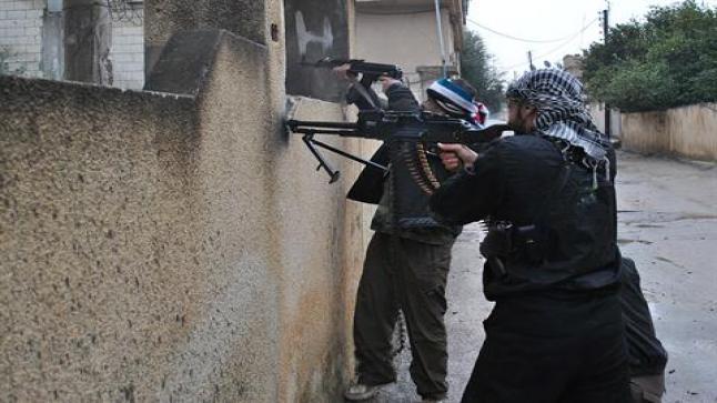 معارك محتدمة ومقتل نحو 40 جنديا نظاميا في ريف دمشق