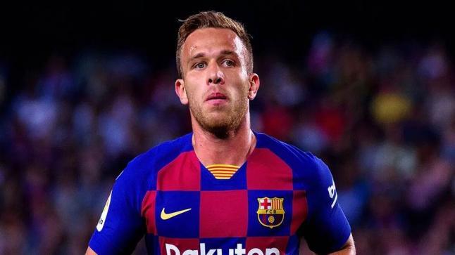 يوفنتوس يقترب من ضم لاعب وسط نادي برشلونة