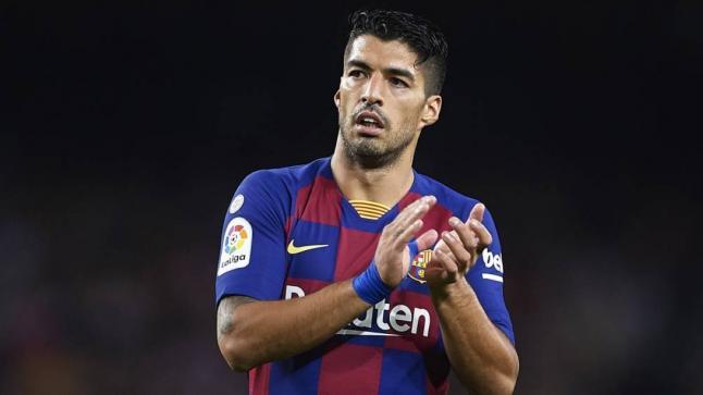 تقارير: كومان يفكر في استمرار سواريز في صفوف برشلونة