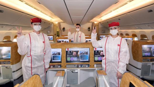 """""""طيران الإمارات"""" تشغل أول رحلة تخدمها فرق تلقى جميع أفرادها لقاح """"كورونا"""""""