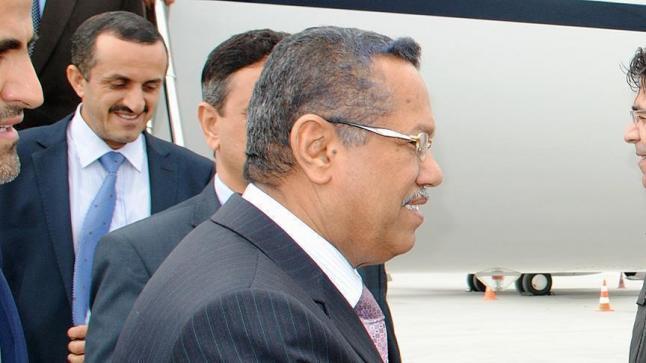 ماذا تحمل تصريحات رئيس الحكومة اليمنية حول دخول نجل الرئيس الراحل في مستقبل اليمن؟