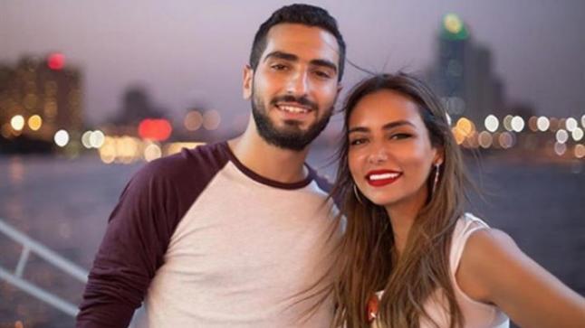 """أبلة فاهيتا تورط محمد الشرنوبي: """"بدأت تخون مراتك؟!"""""""