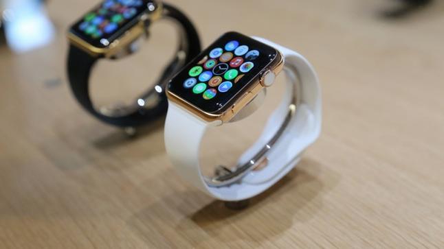 بعد إطلاق شركة آبل للجيل الثاني من الساعة الذكية Apple Watch فقد حققت مبيعات مذهلة خلال أسبوع واحد