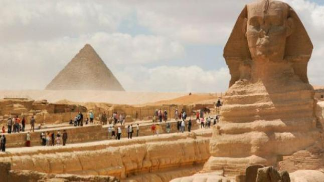 """""""شركات السياحة المصرية"""": نعاني من نتائج صفرية بسبب كورونا"""
