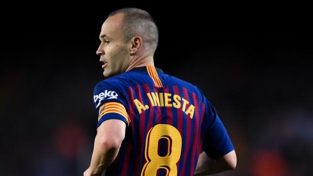 لاعب برشلونة الجديد يرتدي قميص انيستا
