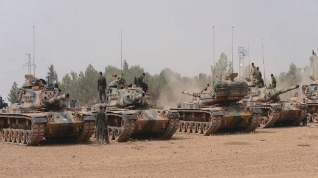 الجيش السوري الحر يقف بوجه جيش النظام لمنع تقدمه إلى مدينة الباب